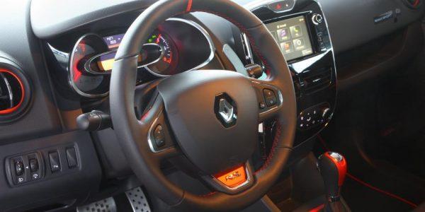 Renault Clio R.S. – Cockpit